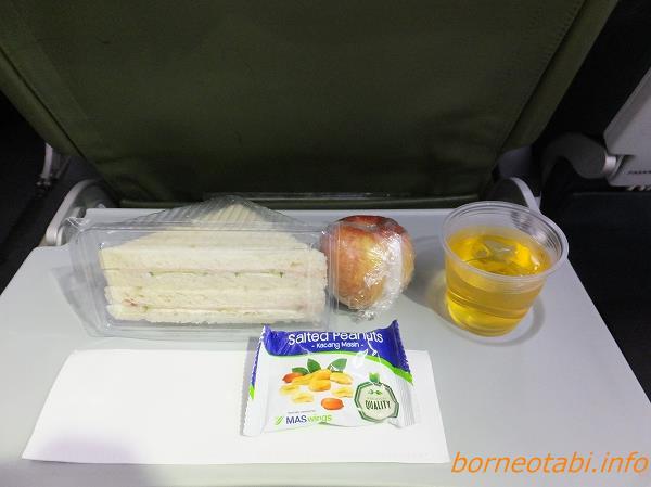 クチン⇒コタキナバル マスウィング 機内食 2014年2月13日 夜