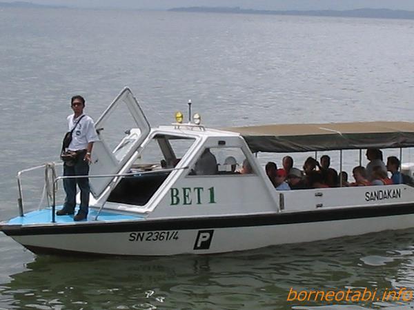 2005年2月 このボートで川を上る
