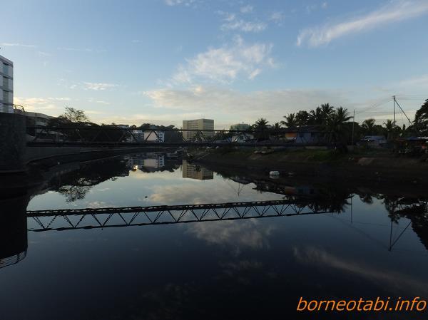 2014年2月14日 ホテルのすぐ裏のドブ川