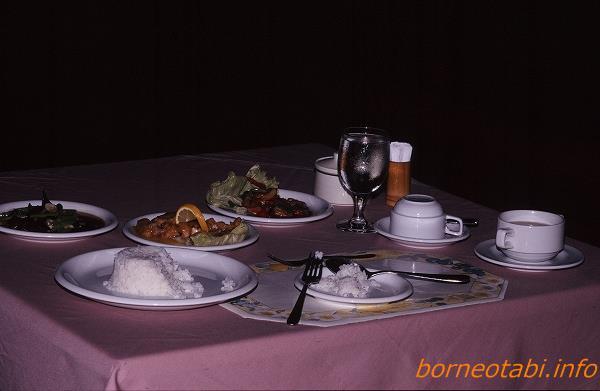 ダナンバレーの食事 1998年12月