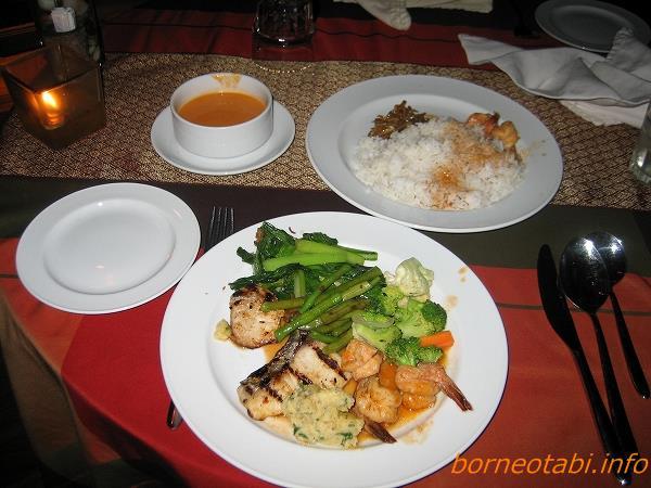 ボルネオレインフォレストロッジの食事
