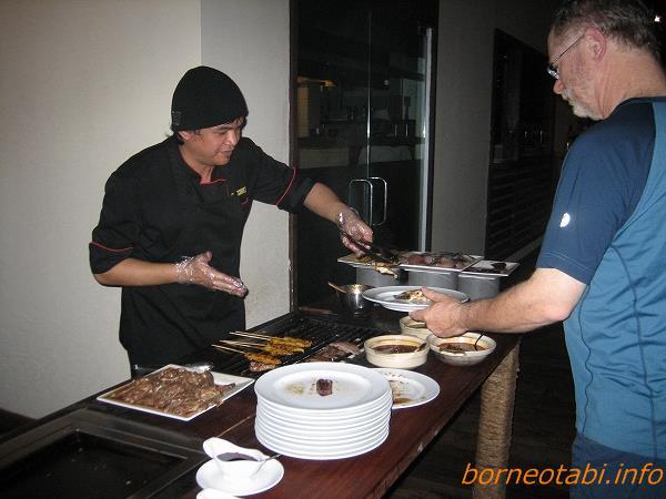 ダナンバレーの食事 肉、魚 2012.7.2