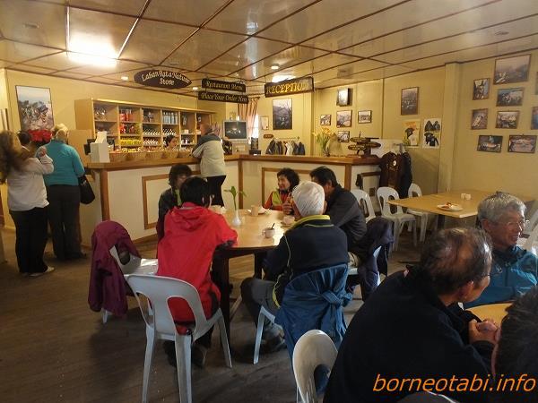 ラバンラタ小屋売店 2012.5.21 キナバル公園